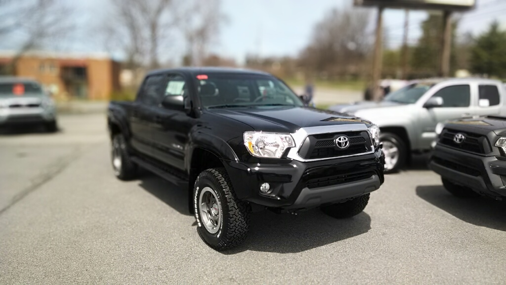 toyota announces voluntary recall of certain tacoma pickup trucks for rear leaf springs jeremy. Black Bedroom Furniture Sets. Home Design Ideas